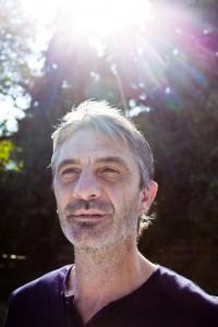 Dirk Verbessem stond zijn doofstomme en allengs blind wordende tweelingbroers bij in queeste naar euthanasie. (foto thomas Legrève)