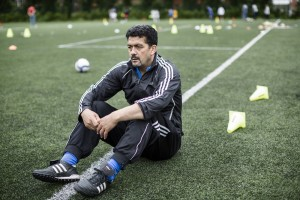 coach Ben Tahiri, zelf virtuoos met woord en bal